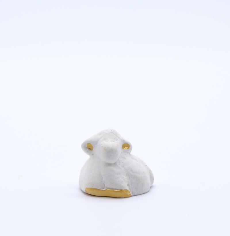 Mouton blanc couché produit collection blanche