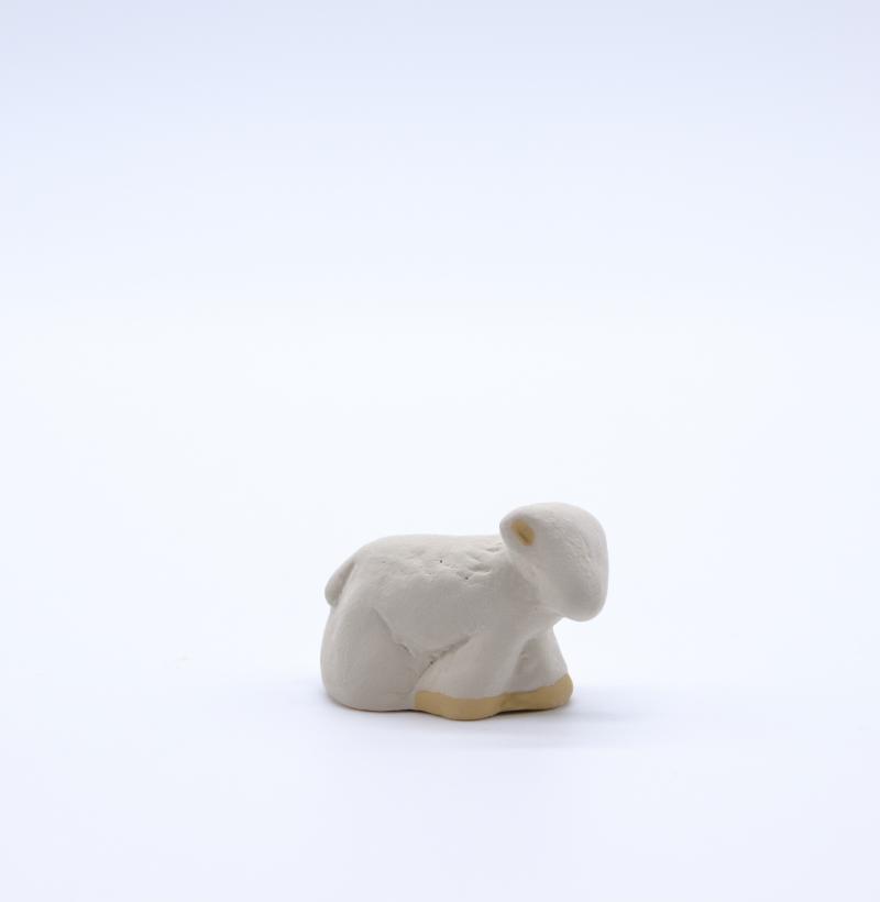 Mouton debout blanc produit petits animaux