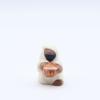 Roi noir face produit creches miniatures blanches