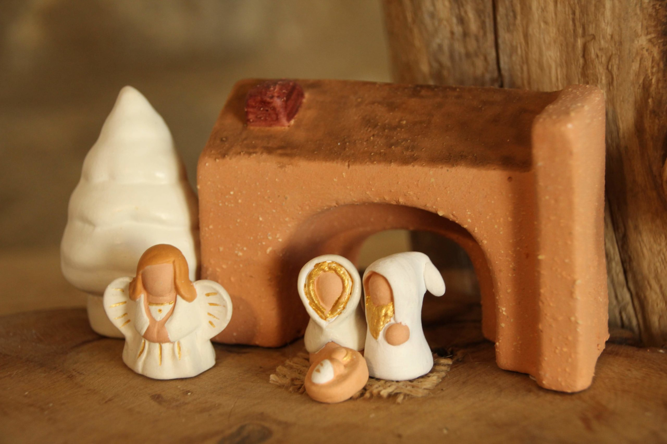 Crèches miniatures blanches et or