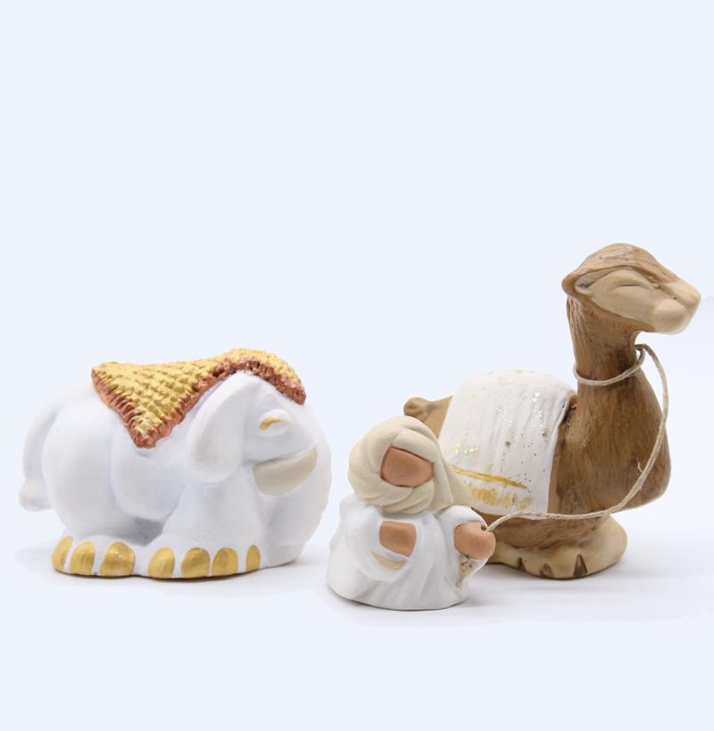 Elephant Bédouin Et Dromadaire Produit Collection Blanche