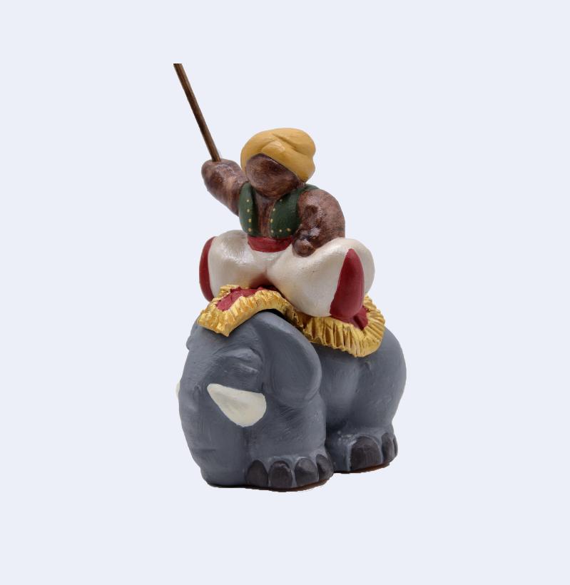 Cornac Sur éléphant Trois Quart Gauche Produit Nativités Nouveautés